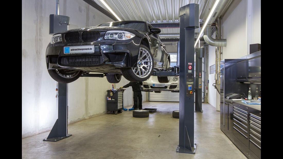 BMW 1er M Coupé, Hebebühne