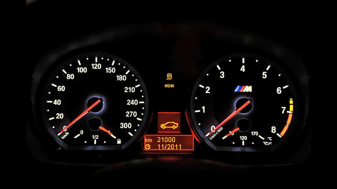 BMW 1er M Coupé, Innenraum, Tacho