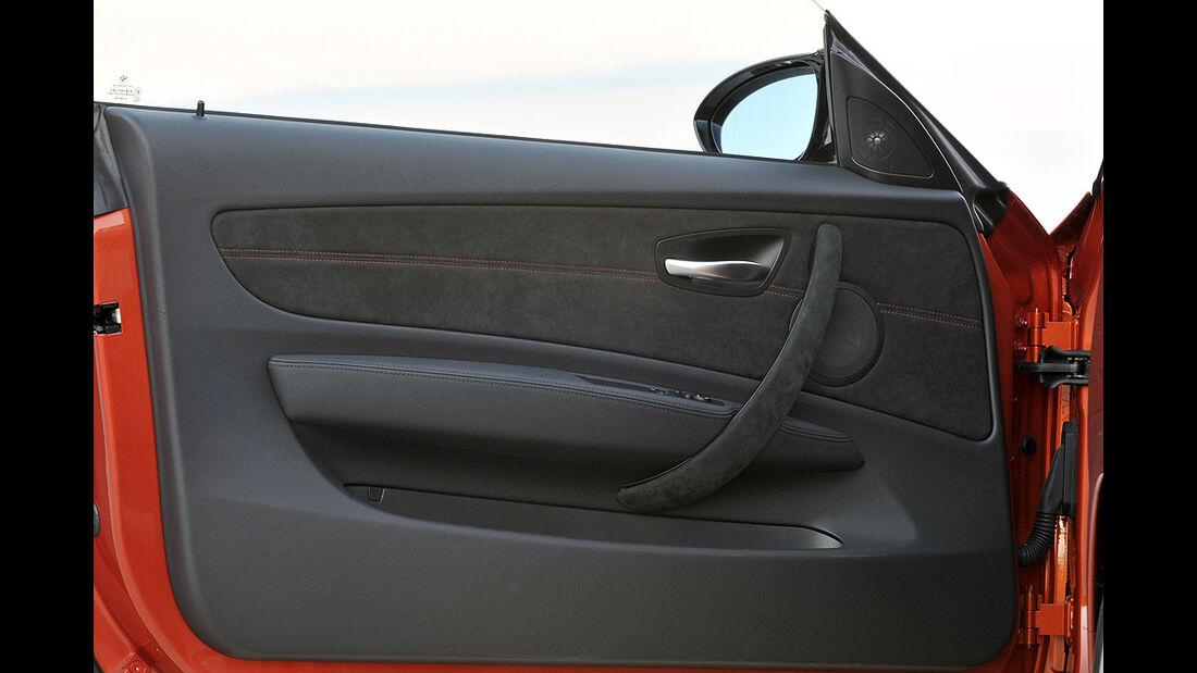 BMW 1er M Coupé, Türinnenverkleidung, Alcantara