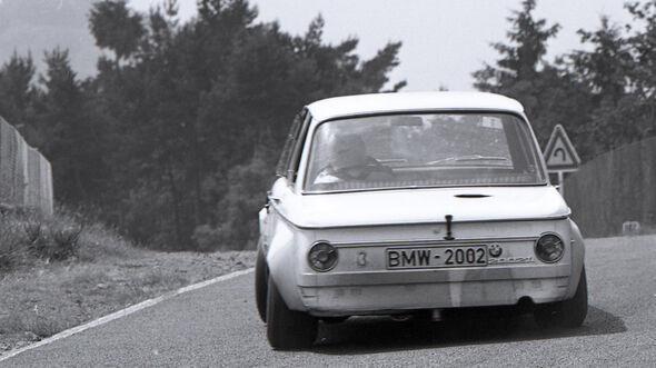 BMW 2002 Ti M4 Vergleich