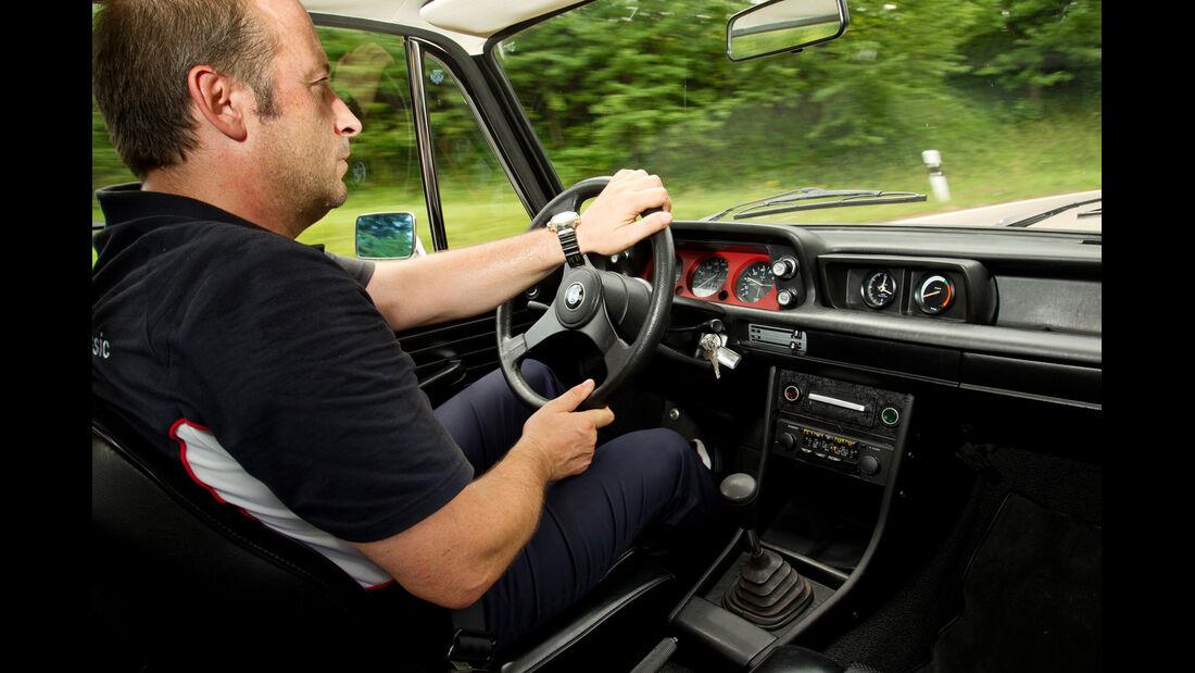 BMW 2002 turbo, Cockpit, Fahrersicht