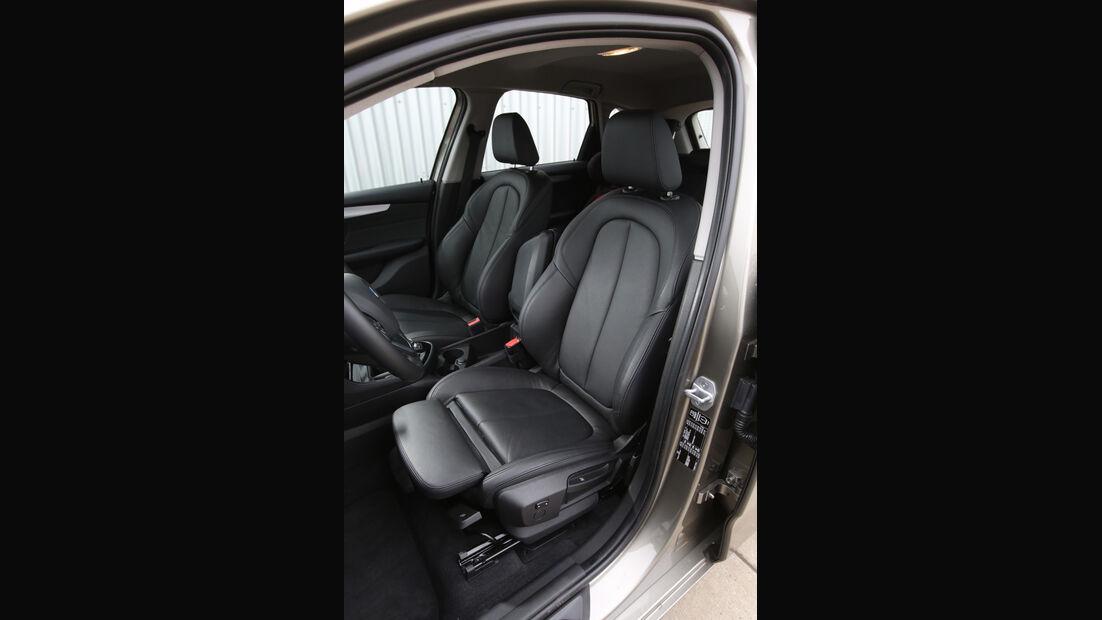 BMW 218i Active Tourer, Fahrersitz