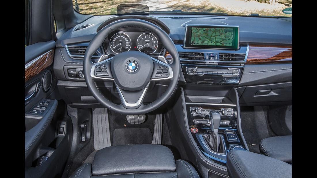BMW 220i Active Tourer, Cockpit