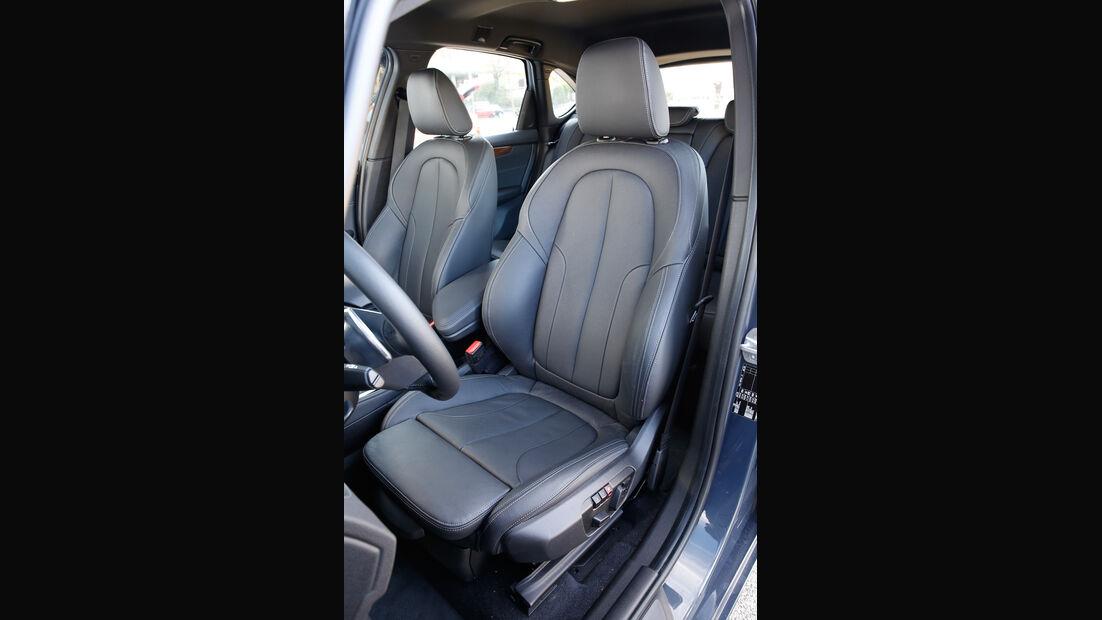 BMW 220i Active Tourer, Fahrersitz