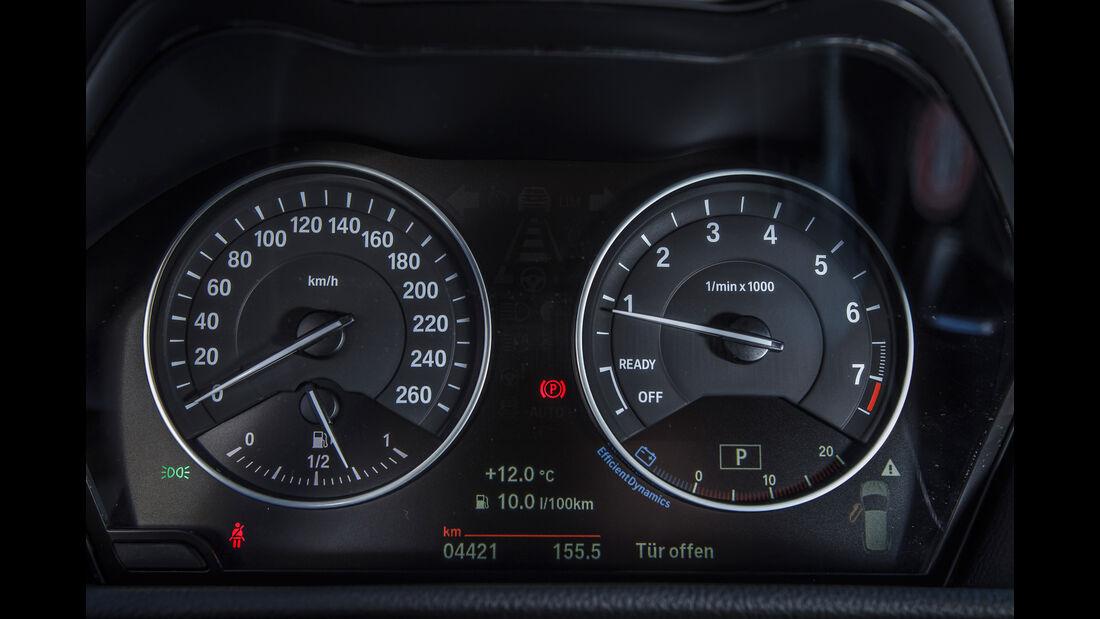 BMW 220i Active Tourer, Rundinstrumente