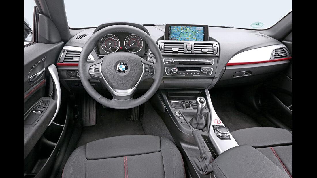 BMW 220i, Cockpit