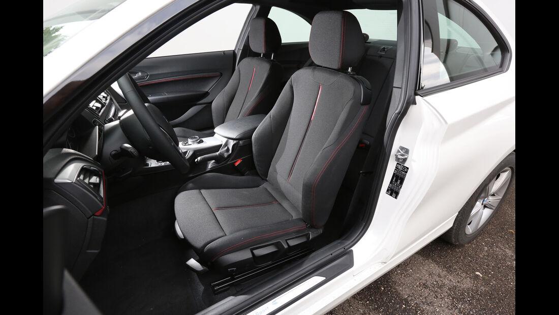 BMW 220i, Fahrersitz