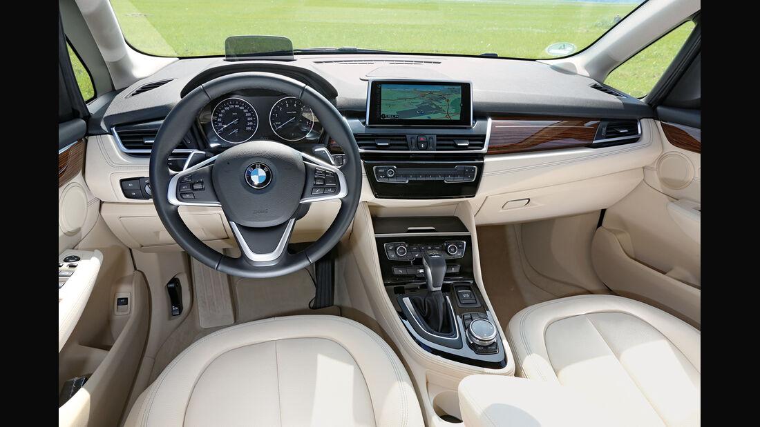 BMW 225i Active Tourer, Cockpit