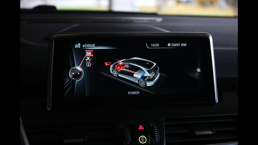 BMW 225xe Active Tourer, Infotainment