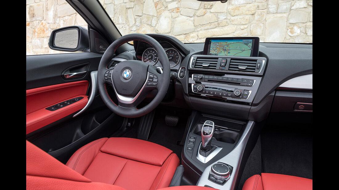 BMW 228i Cabrio, Innenraum, Cockpit