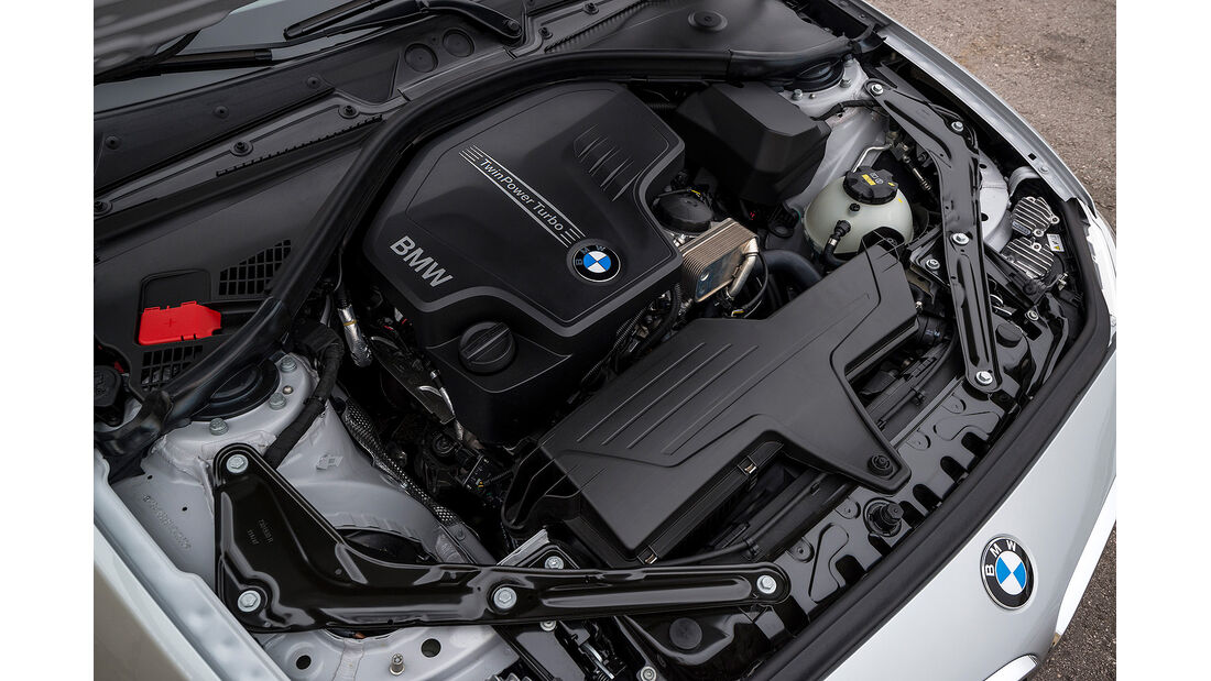 BMW 228i Cabrio, Motor