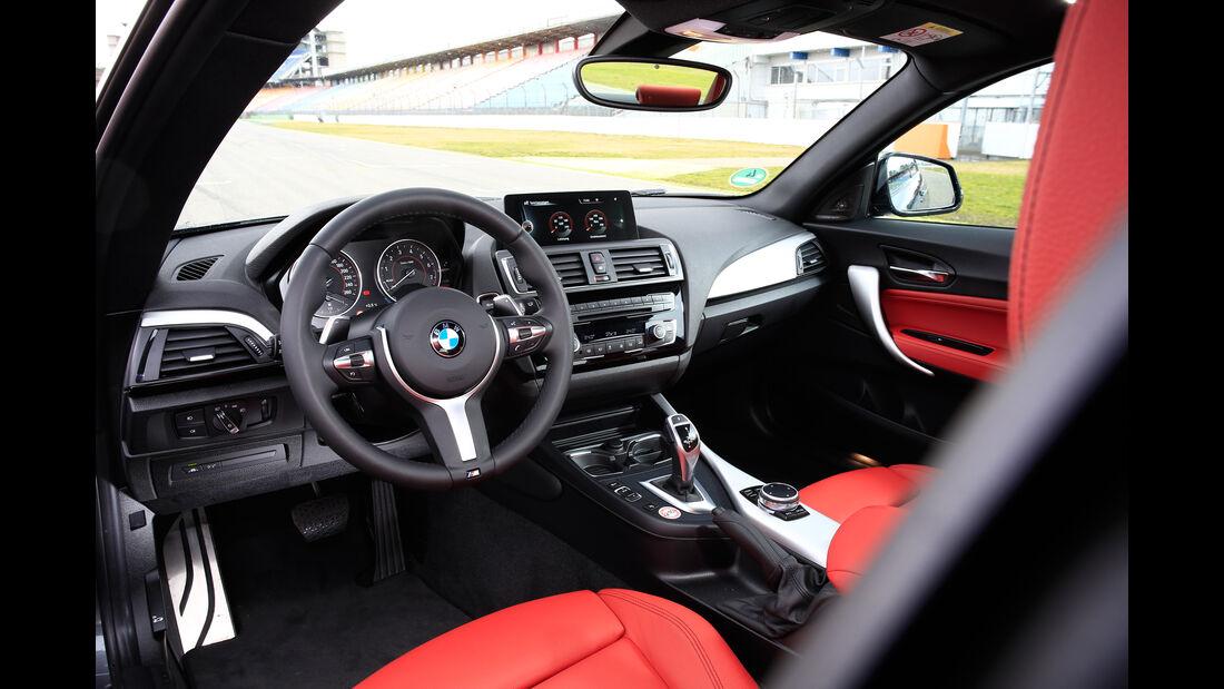BMW 228i Coupé, Cockpit