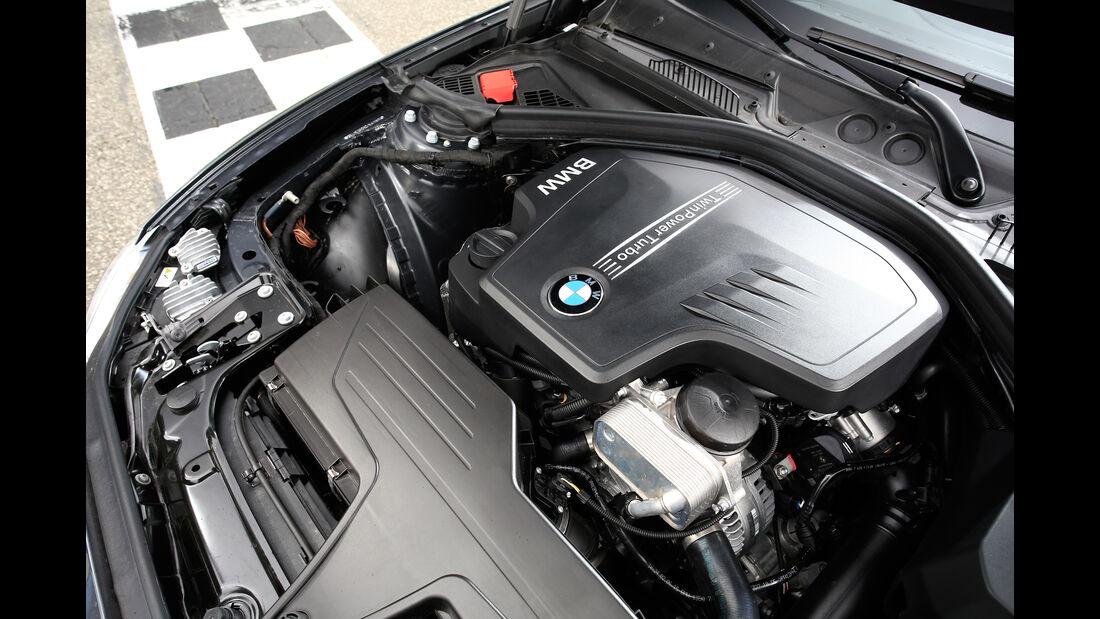 BMW 228i Coupé, Motor
