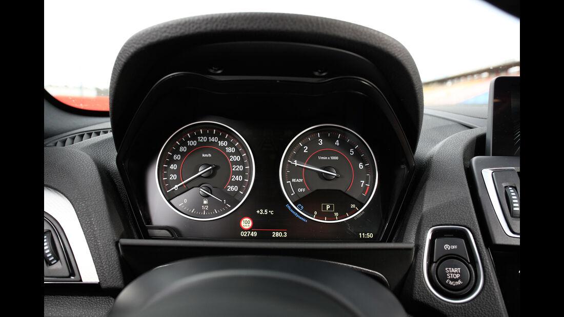 BMW 228i Coupé, Rundinstrumente
