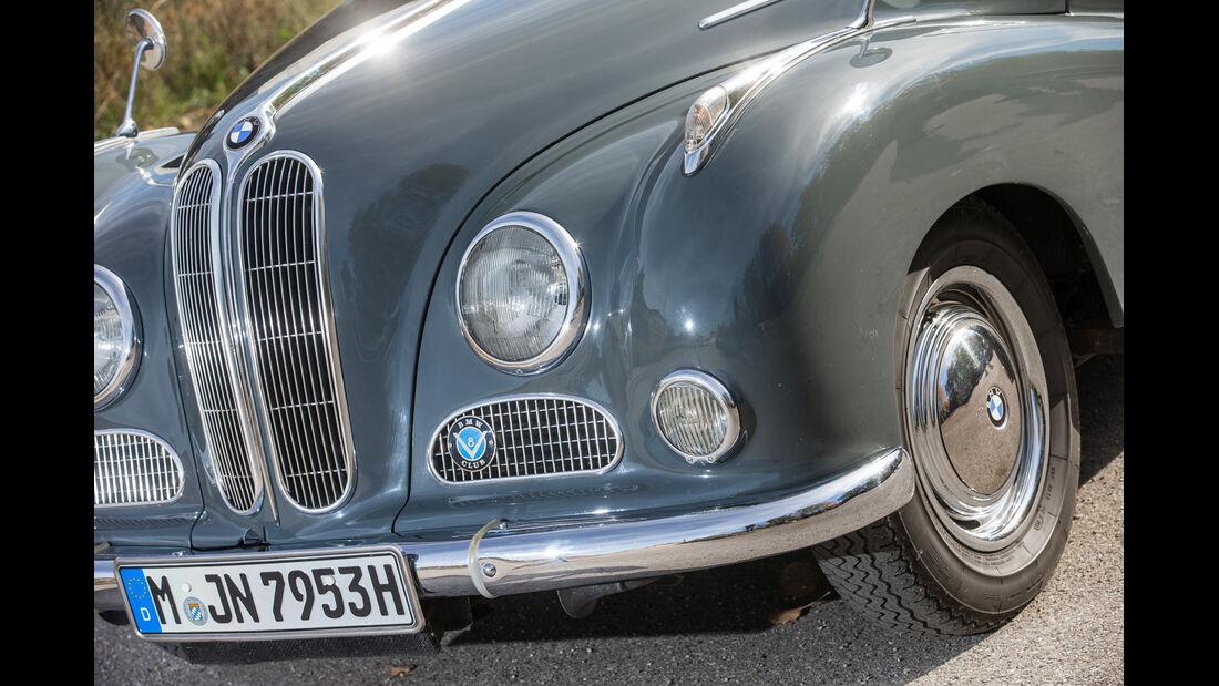 BMW 2600 L (Typ 502,V8), Frontscheinwerfer