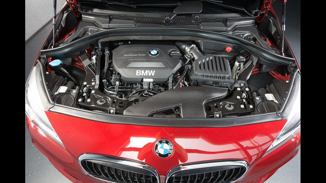BMW 2er Active Tourer, Motor, 218d