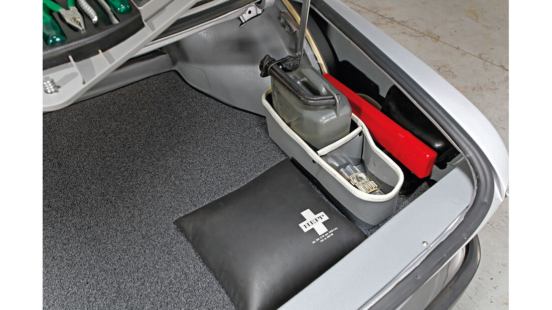 BMW 3.0 CSi (E9), Kofferraum