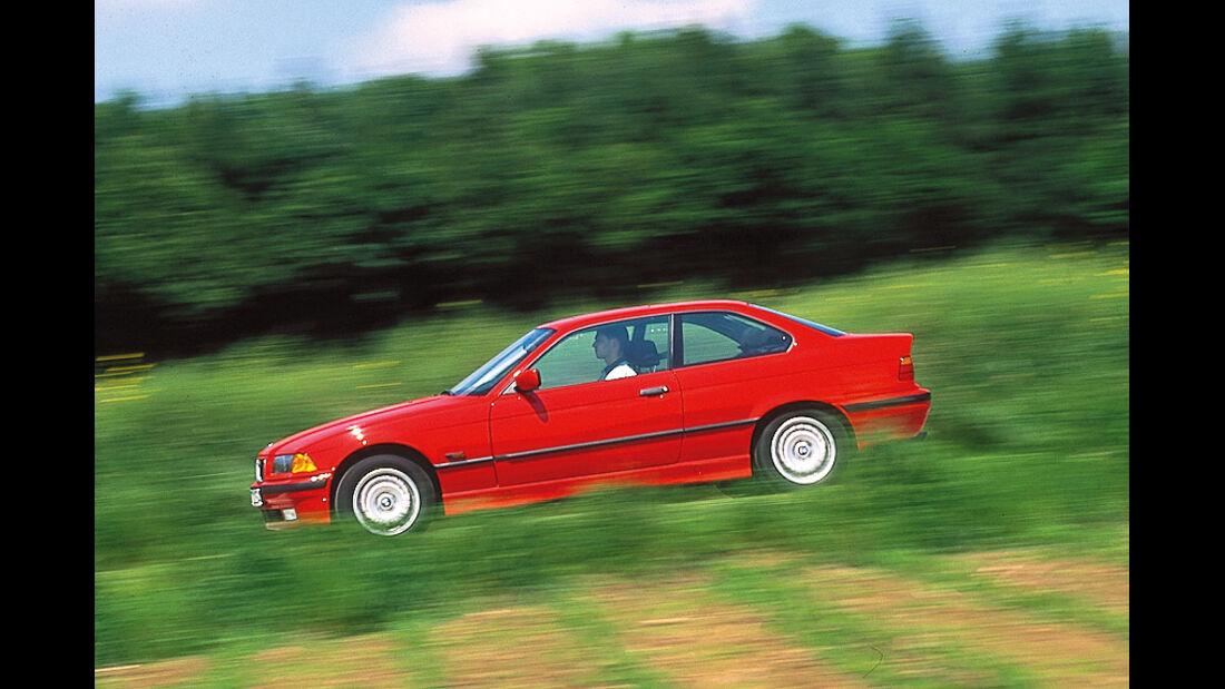 BMW 318 iS (E36), Seitenansicht