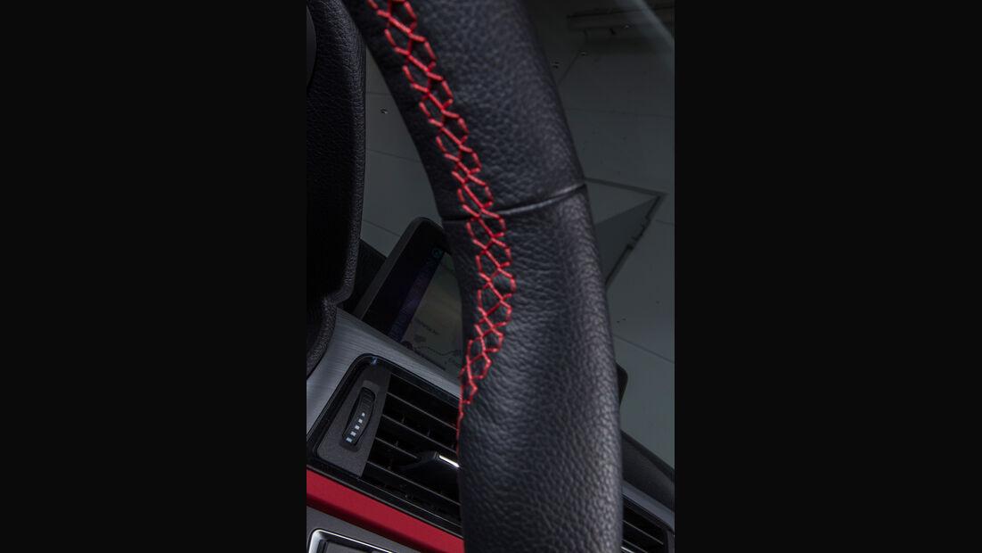 BMW 318d Touring, Lenkrad, Detail