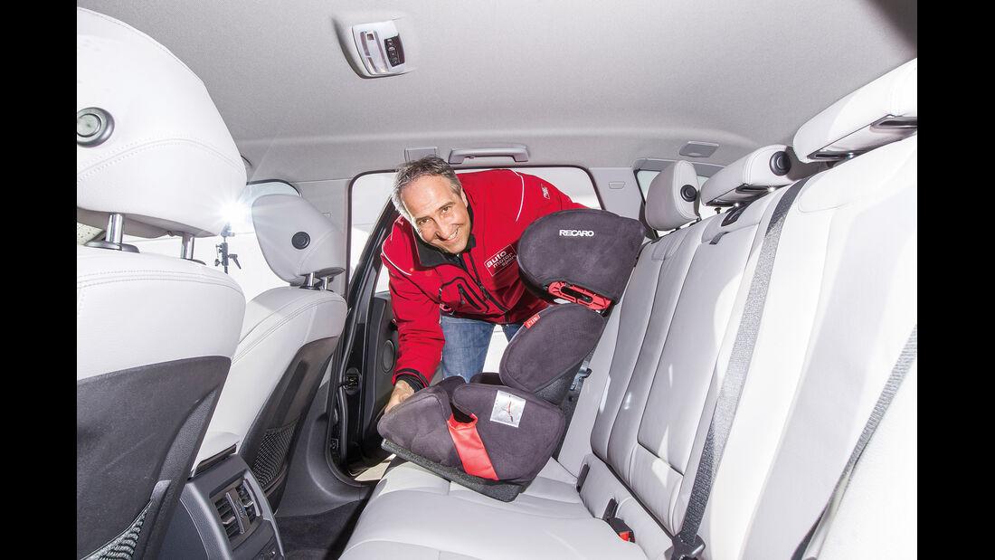 BMW 318d Touring, Rücksitz, Kindersitz