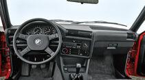 BMW 318i, Cockpit