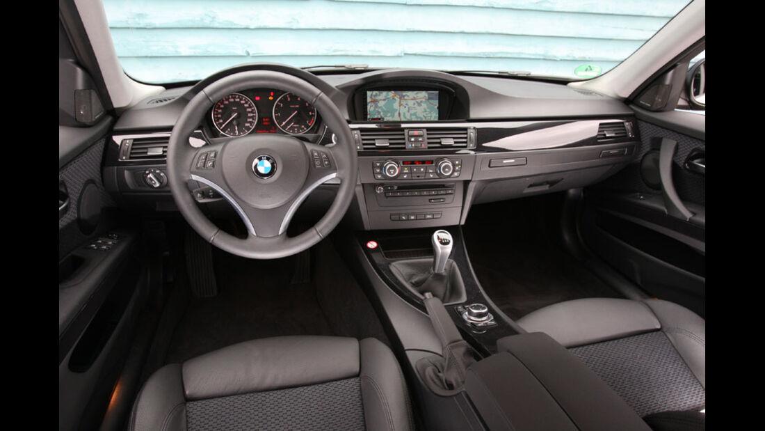 BMW 318i, Innenraum, Cockpit