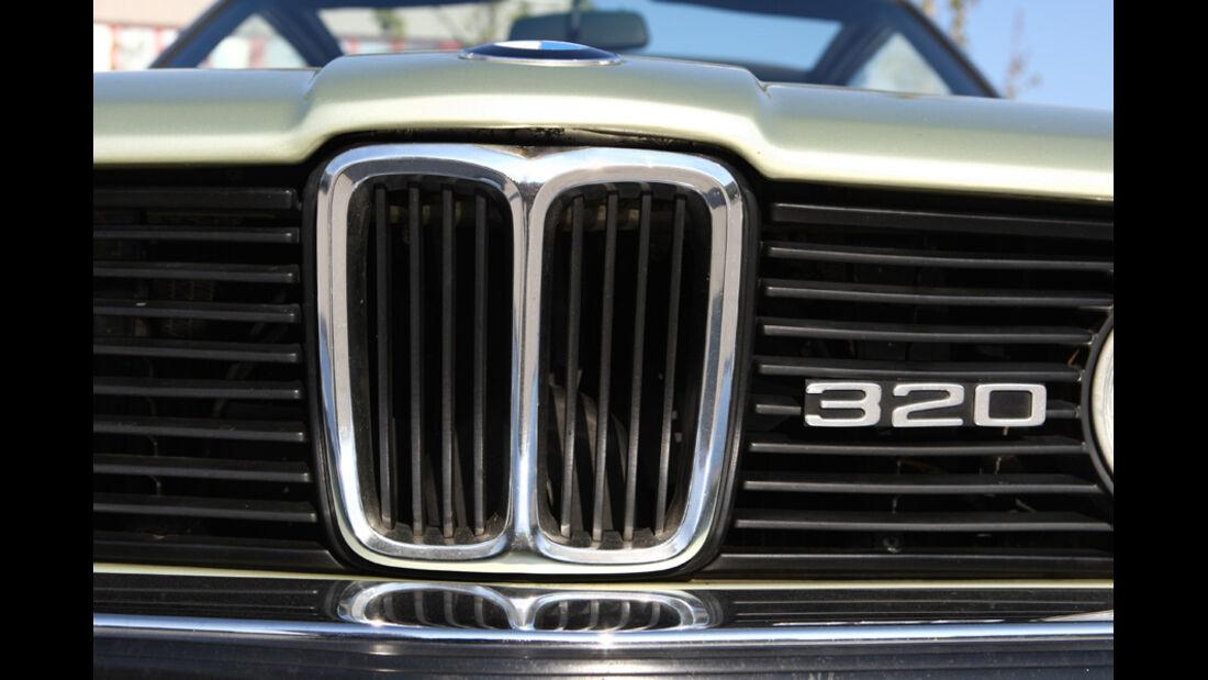 BMW 320 Baur Topcabriolet (TC1), Baujahr 1979, Kühlergrill