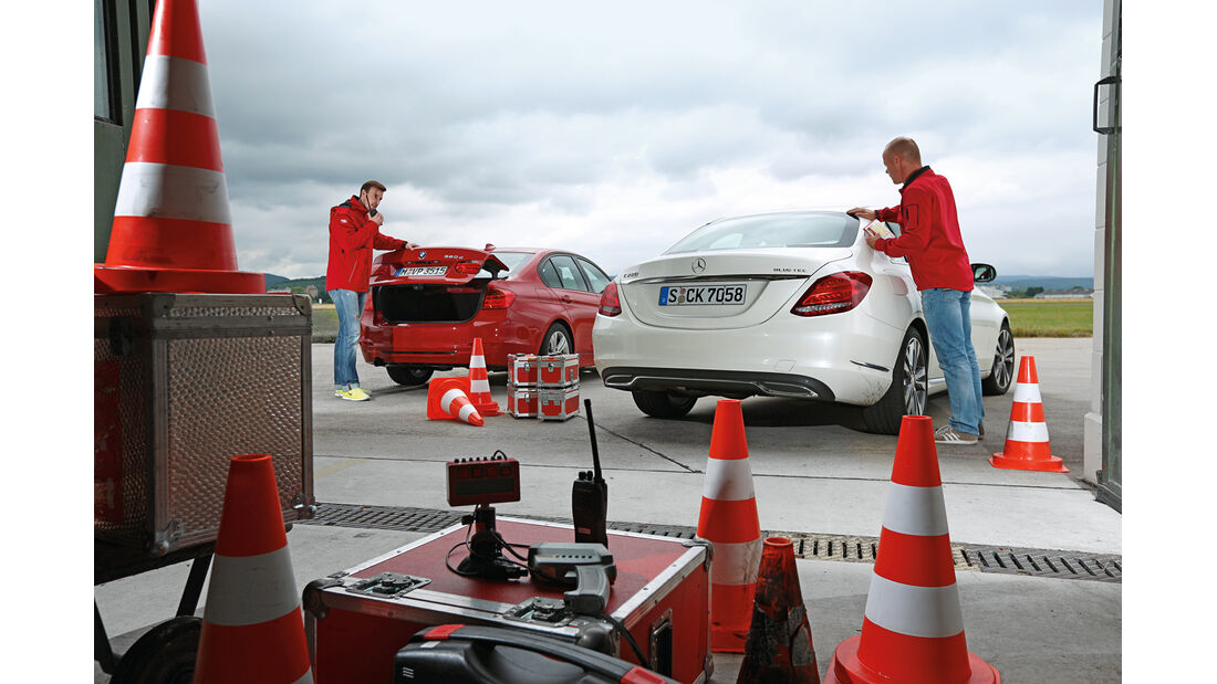 BMW 320d, Mercedes C 220 Bluetec, Test, Heckansicht
