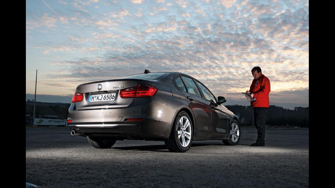 BMW 320d Modern Line, Heck, Abendstimmung