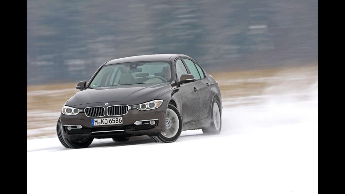 BMW 320d Modern Line, Schnee, Bremstest