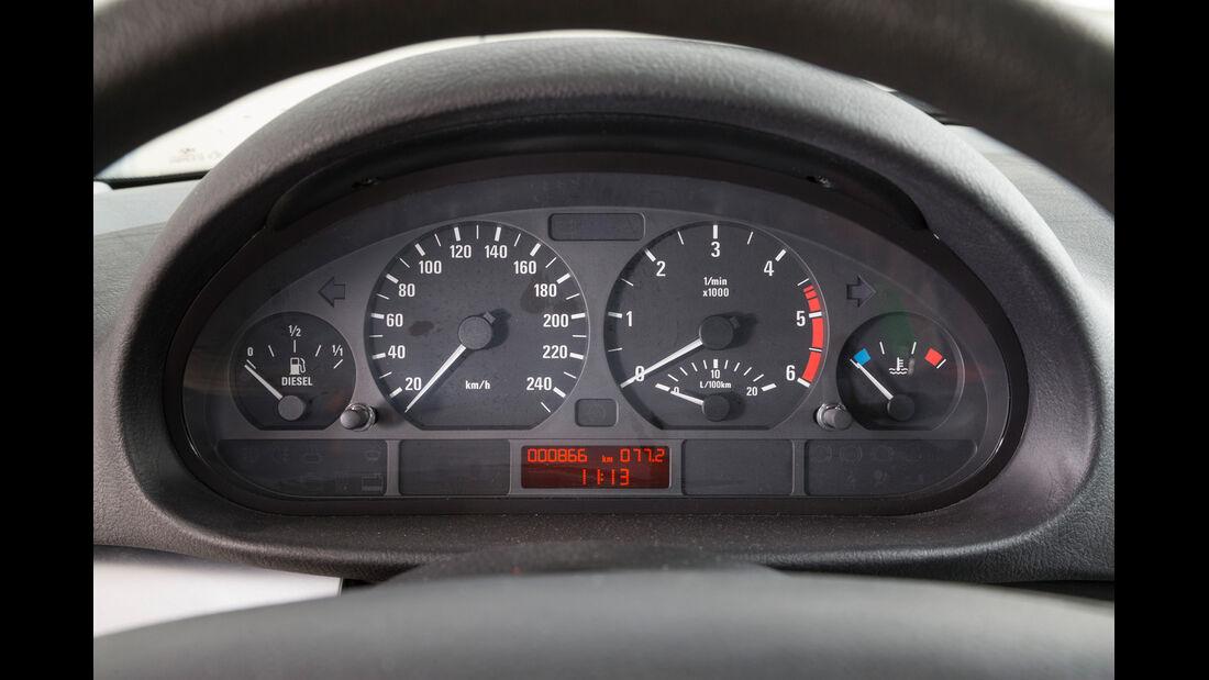 BMW 320d, Rundinstrumente