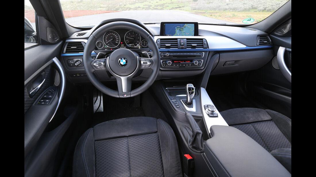 BMW 320d Touring, Cockpit, Lenkrad