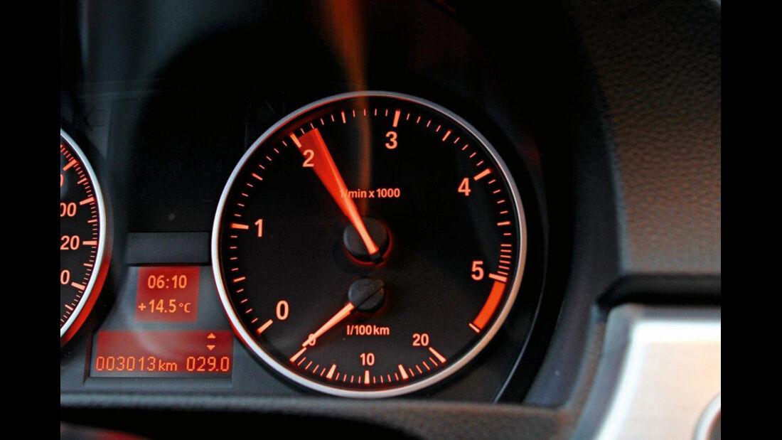BMW 320d Touring, Drehzahlmesser