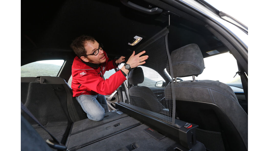 BMW 320d Touring, Rücksitz, Trennnetz