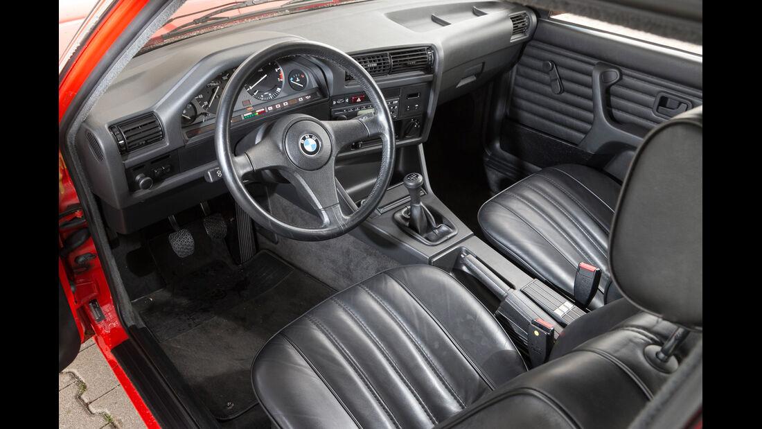 BMW 320i, Cockpit