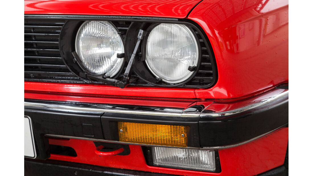 BMW 320i, Frontscheinwerfer