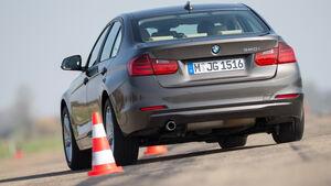BMW 320i, Heckansicht