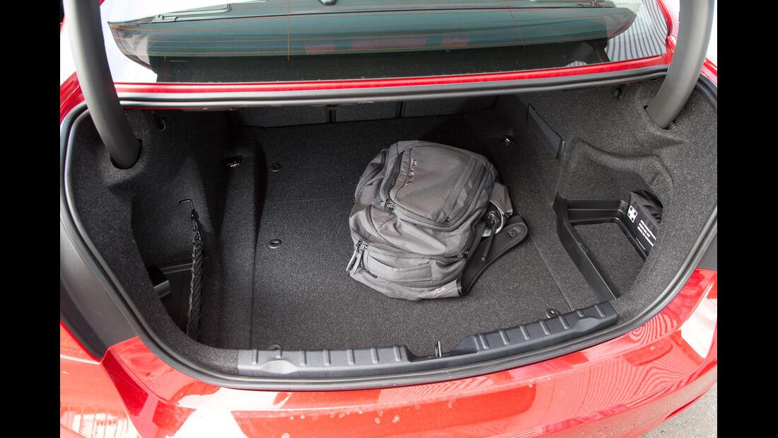 BMW 320i, Kofferraum