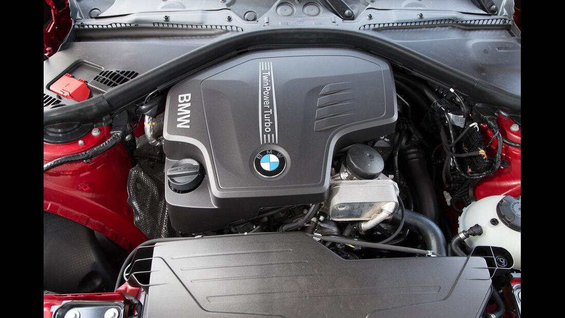 BMW 320i, Motor