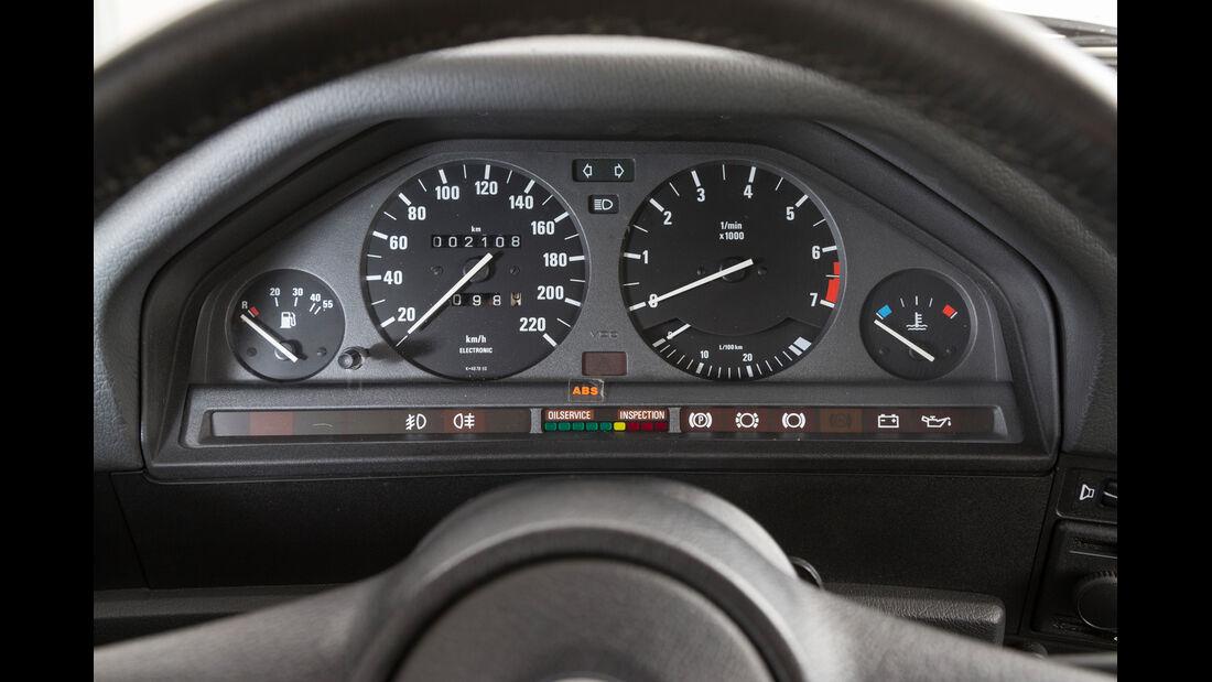 BMW 320i, Rundinstrumente