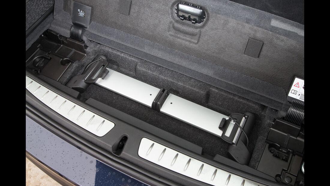 BMW 320i Touring, Ablagefach