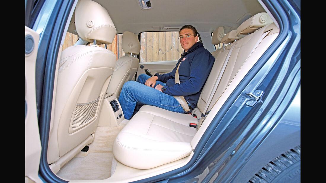 BMW 320i Touring, Rücksitz, Beinfreiheit