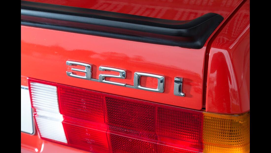 BMW 320i, Typenbezeichnung
