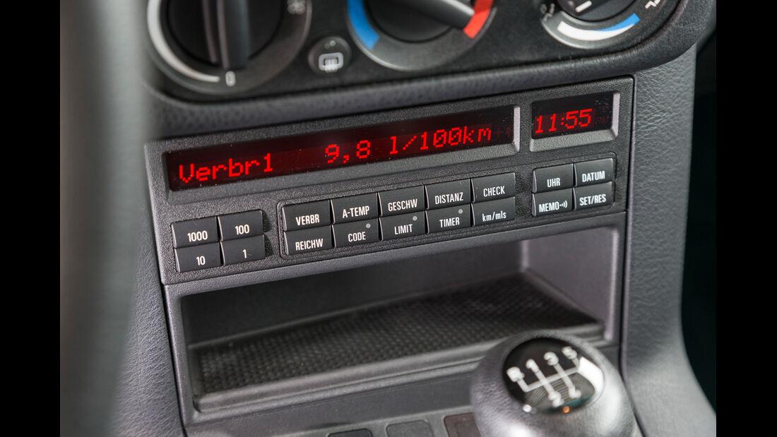 BMW 323i, Mittelkonsole