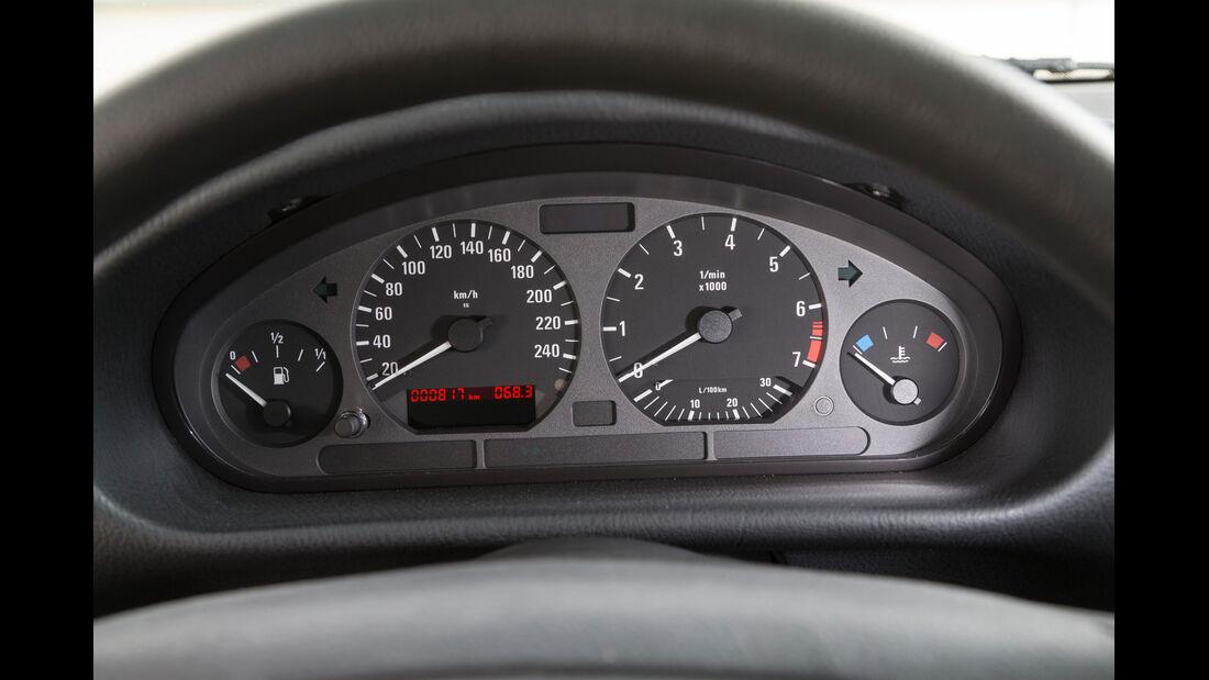 BMW 323i, Rundinstrumente