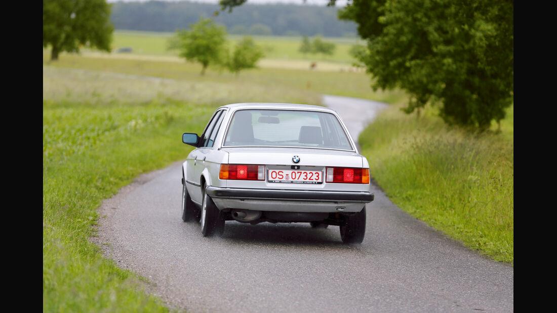 BMW 325e, Heckansicht
