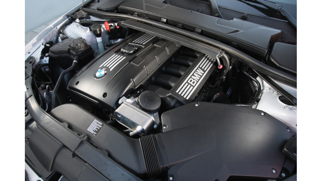 BMW 325i Coupe,Motor