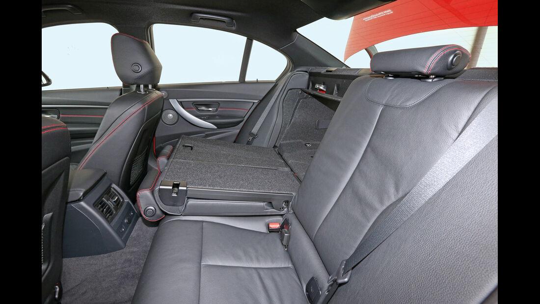 BMW 328i, Rücksitze