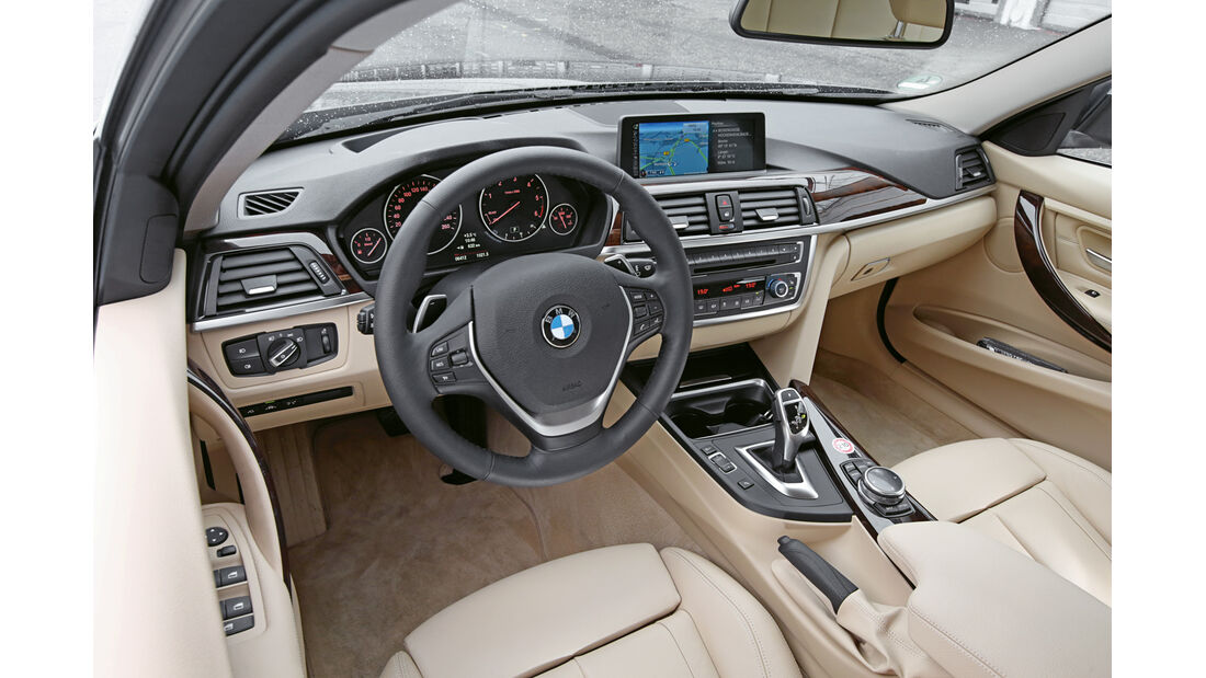 BMW 330d xDrive, Cockpit