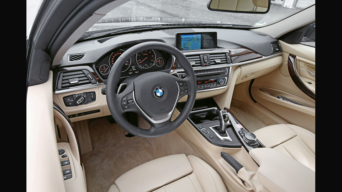 BMW 330d xDrive, Cockpit